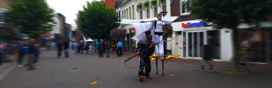 STILTLIFE StreeTTheater Fire Walkact Angels and Demons