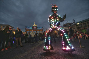 Guide of Light Performance Tours in Berlin en Amsterdam  - Lichtkunst en Straattheater
