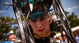 Duurzaam mobiel straattheater | Theater op Stelten : Re-Cyclists